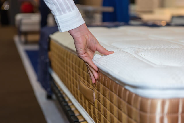 3 TIPS TO HELP YOU PICK THE RIGHT MATTRESS